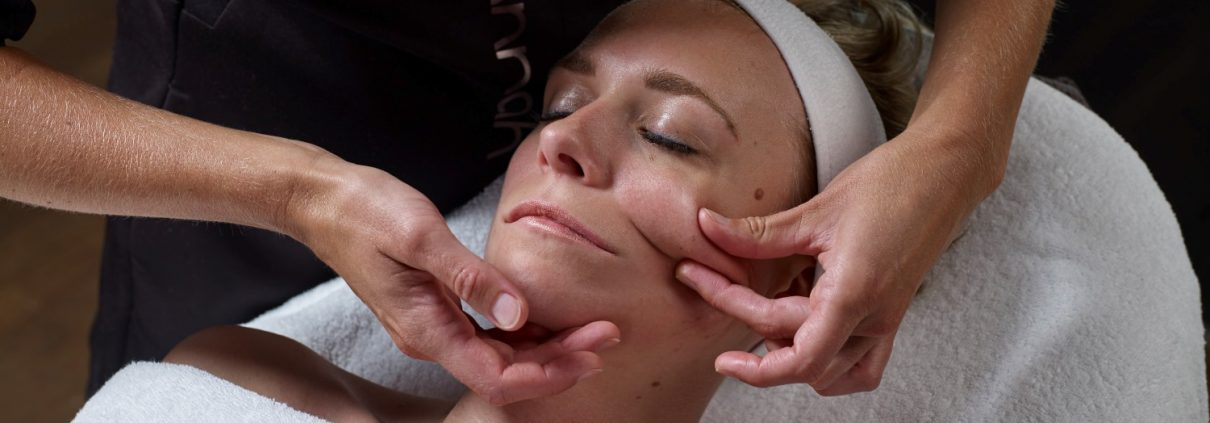bindweefselmassage Bussum Purity salon voor huidverbetering - Beautysalon Bussum